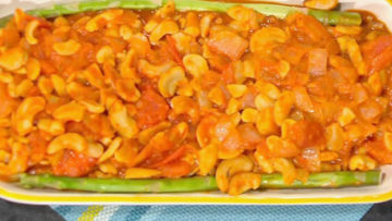 Sauteed Cashews by Nyse Collins